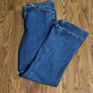 Croft and Barrow Straight Leg Jeans